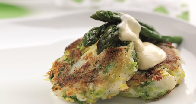 Bubble and squeak with asparagus & hollandaise recipe