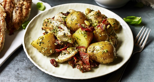 Pesto Potatoes with Grilled Chicken, Tomatoes and Bacon Recipe